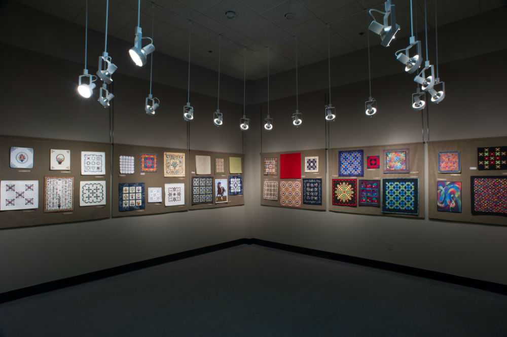 The National Quilt Museum Gallery, miniature quilts